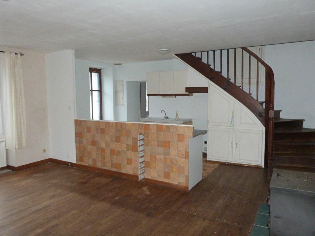 Maison à vendre 6 130m2 à Issé vignette-2