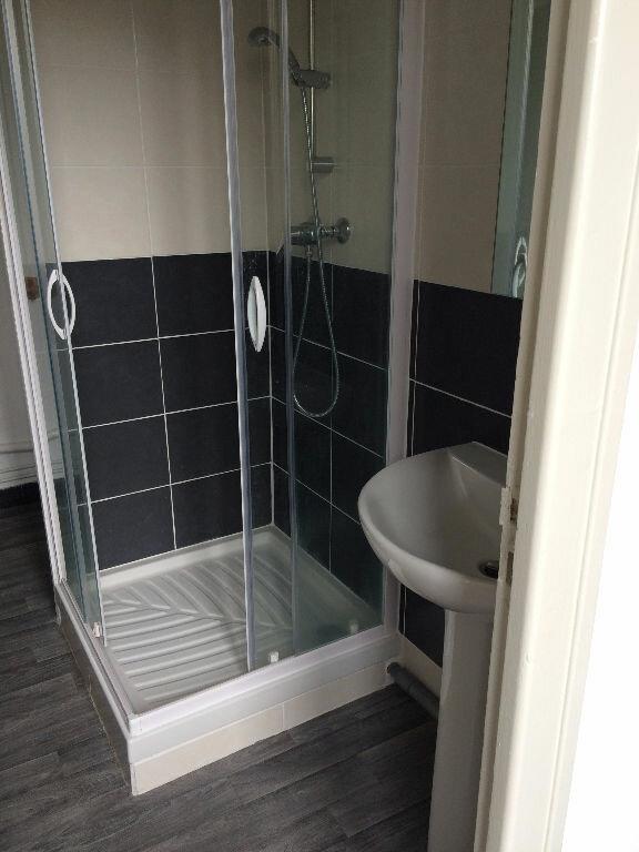 Appartement à louer 2 37m2 à Châteaubriant vignette-5