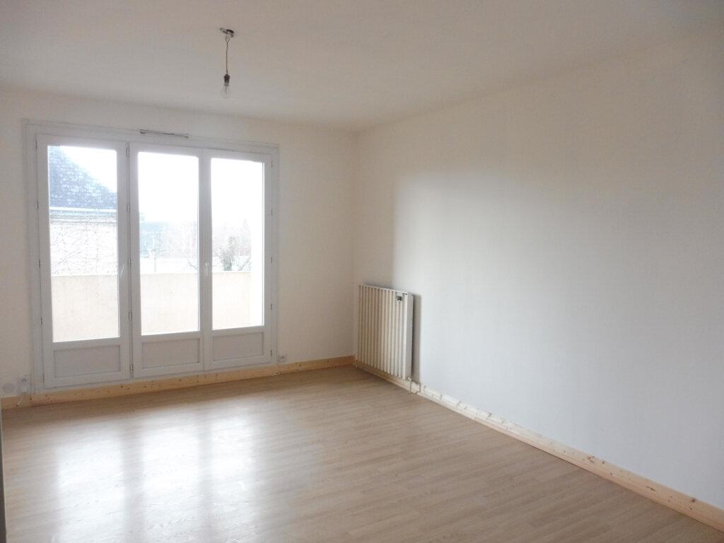Appartement à vendre 3 67m2 à Châteaubriant vignette-4