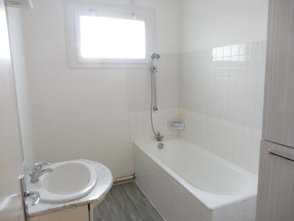 Appartement à vendre 3 67m2 à Châteaubriant vignette-5