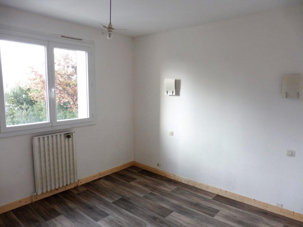 Appartement à vendre 3 67m2 à Châteaubriant vignette-6