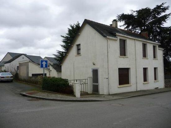 Maison à vendre 7 120m2 à Chazé-Henry vignette-1