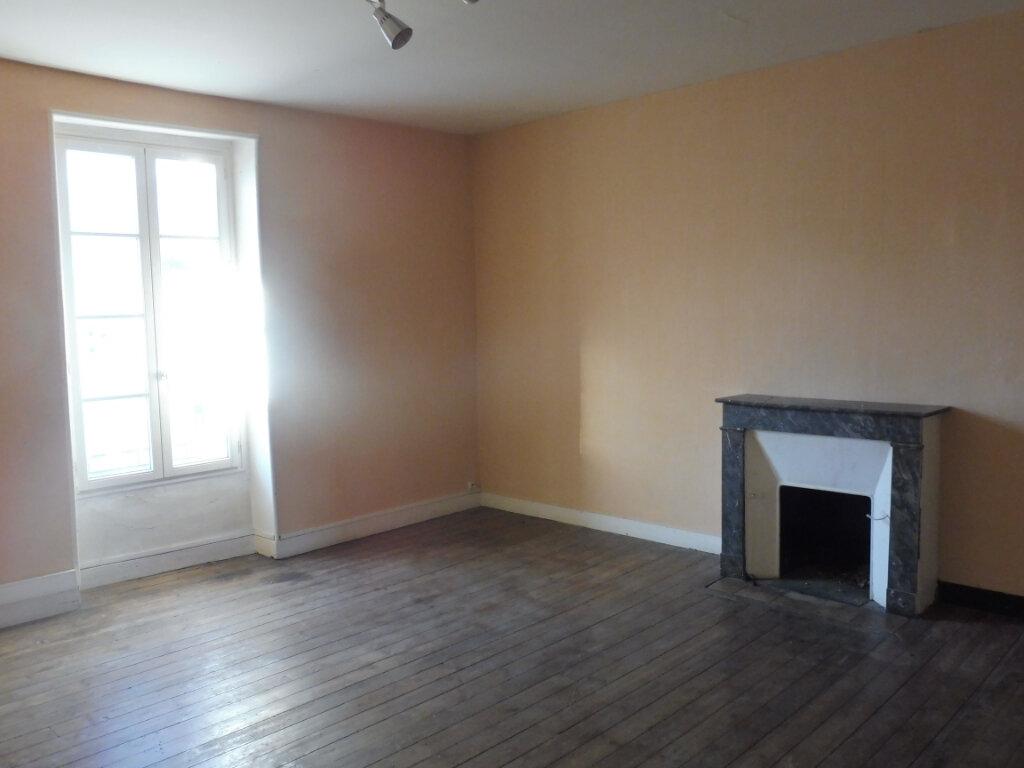 Maison à vendre 7 150m2 à Martigné-Ferchaud vignette-4