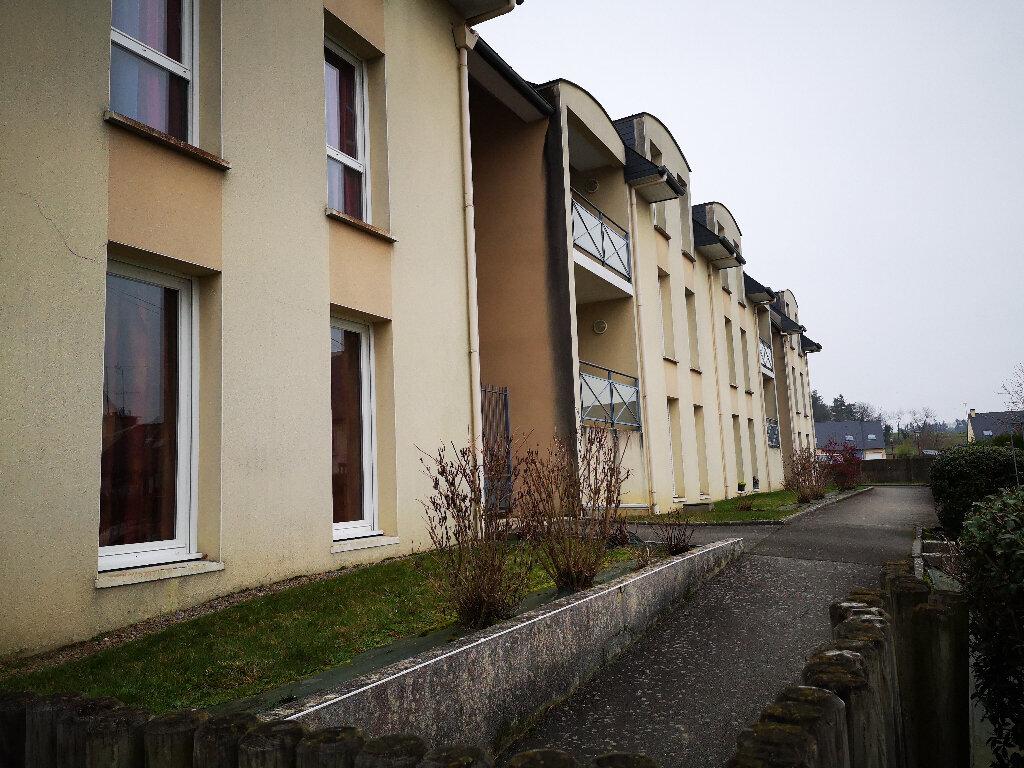 Appartement à vendre 3 62.4m2 à Bourg-des-Comptes vignette-2