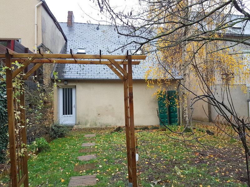 Maison à vendre 3 101m2 à Pouancé vignette-1