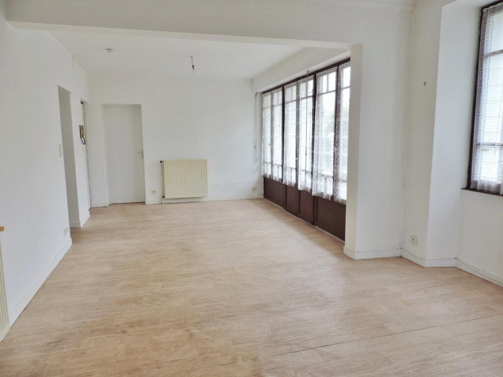 Appartement à vendre 2 58.58m2 à Bain-de-Bretagne vignette-2