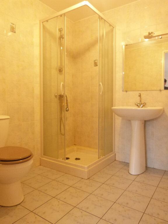 Appartement à louer 2 37m2 à Saint-Aubin-des-Châteaux vignette-3