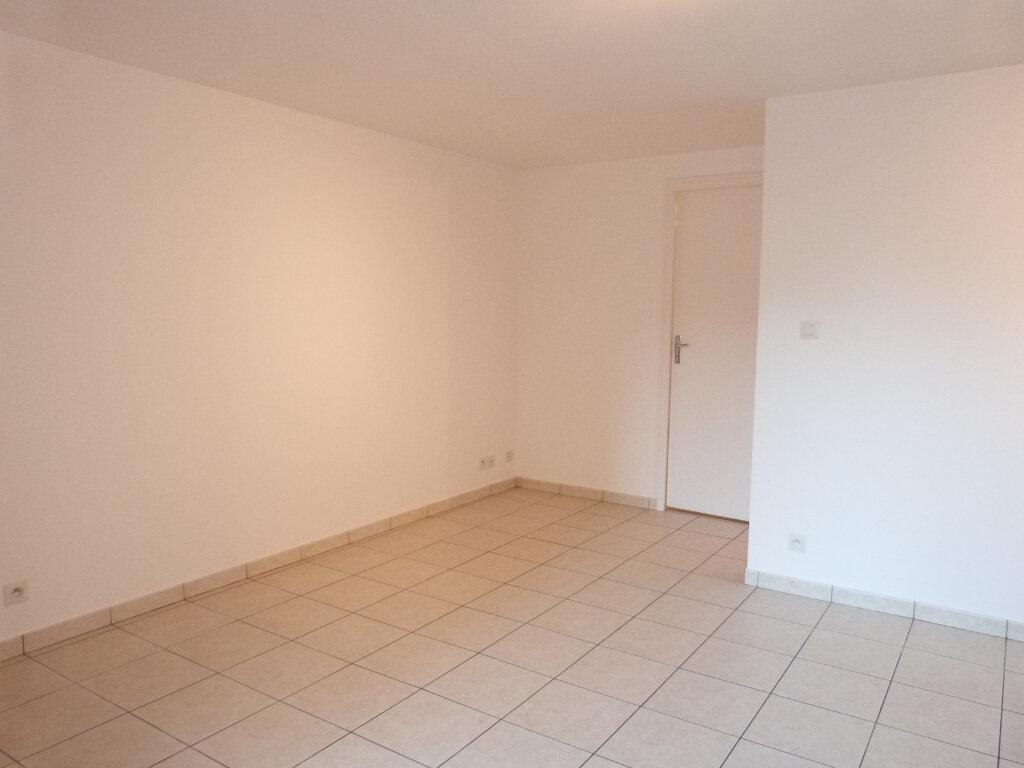 Appartement à louer 2 37m2 à Saint-Aubin-des-Châteaux vignette-4