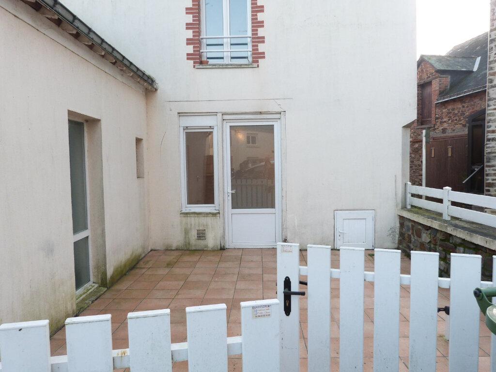 Appartement à louer 2 37m2 à Saint-Aubin-des-Châteaux vignette-5