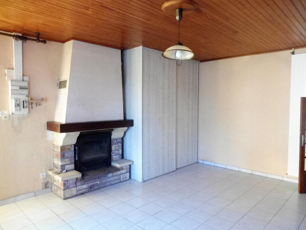 Maison à louer 4 73m2 à Martigné-Ferchaud vignette-2