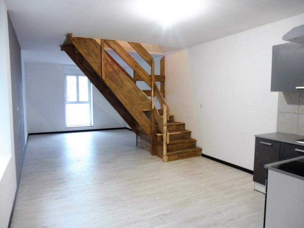 Appartement à louer 3 87m2 à Martigné-Ferchaud vignette-1