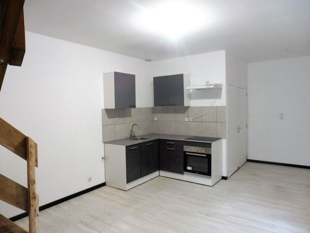 Appartement à louer 3 87m2 à Martigné-Ferchaud vignette-2