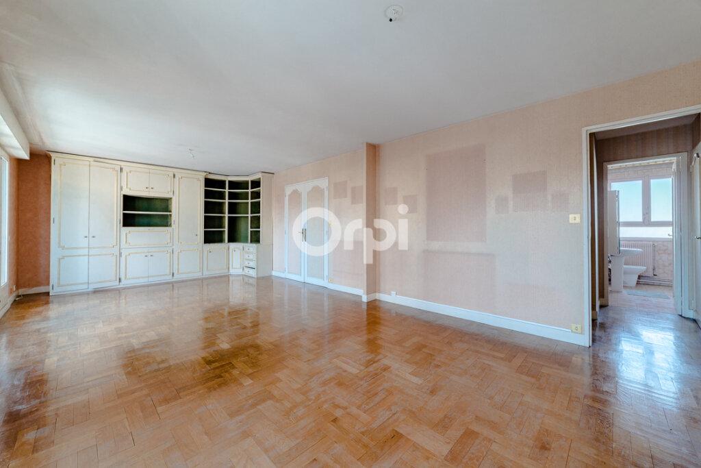Appartement à vendre 3 71.43m2 à Limoges vignette-2