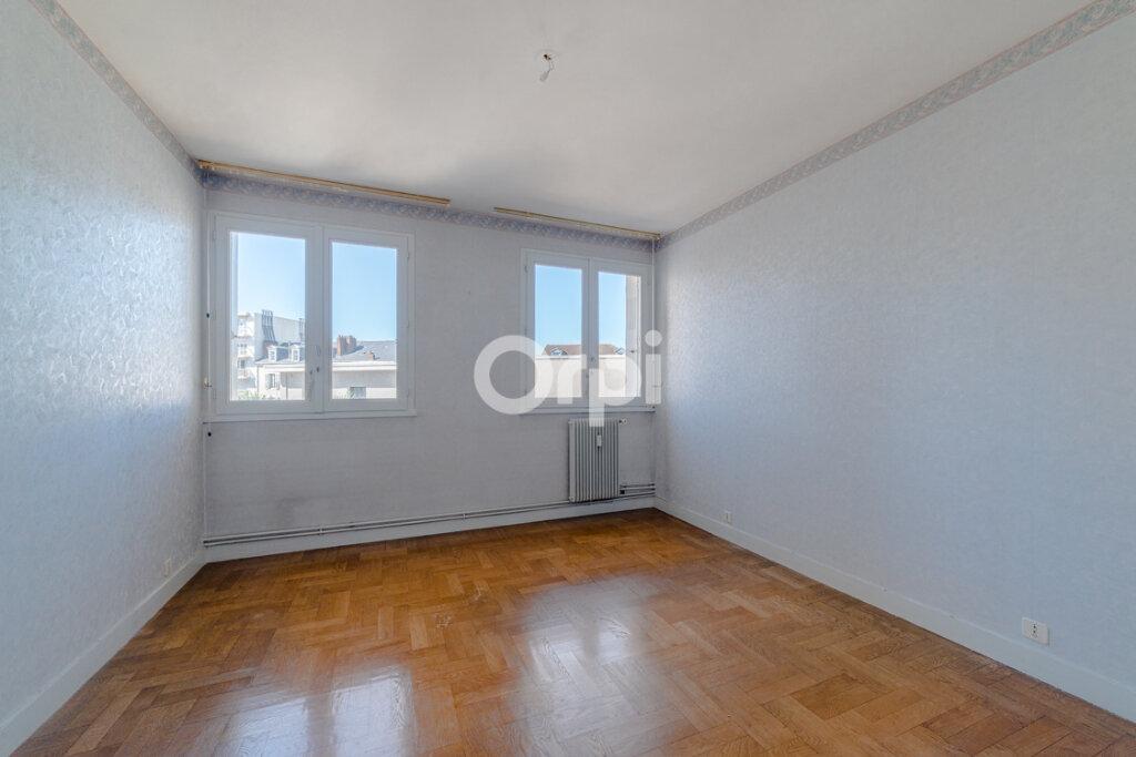 Appartement à vendre 3 71.43m2 à Limoges vignette-5