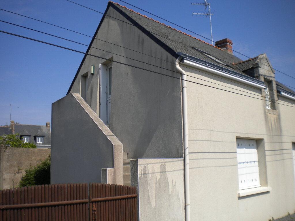 Appartement à louer 2 28m2 à Guérande vignette-1