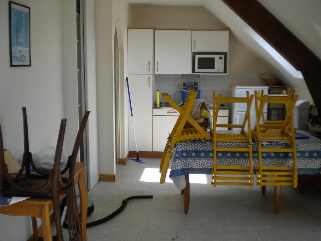 Appartement à louer 2 28m2 à Guérande vignette-2
