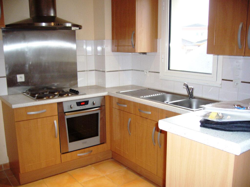 Appartement à louer 3 65m2 à Guérande vignette-2