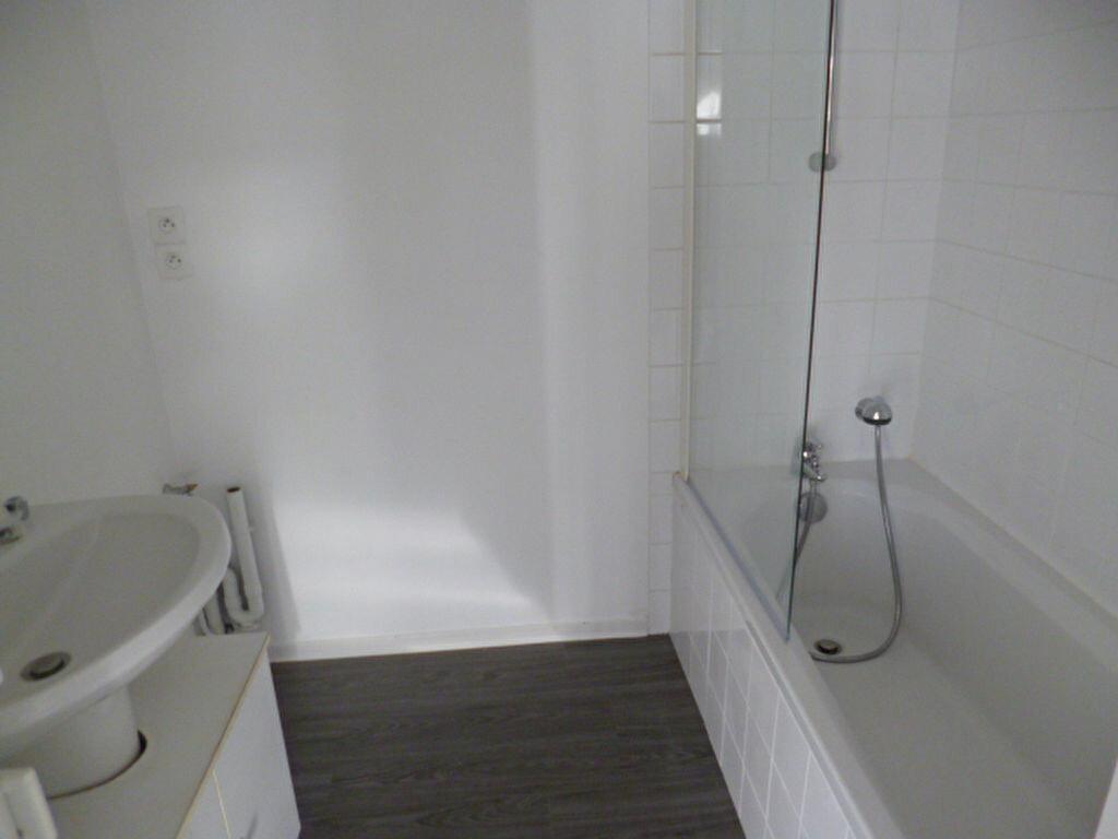 Appartement à louer 3 64m2 à Guérande vignette-3