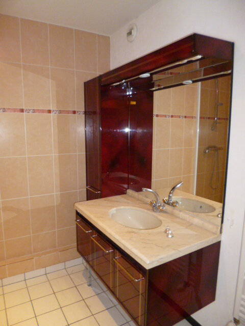 Appartement à louer 4 92m2 à Guérande vignette-4