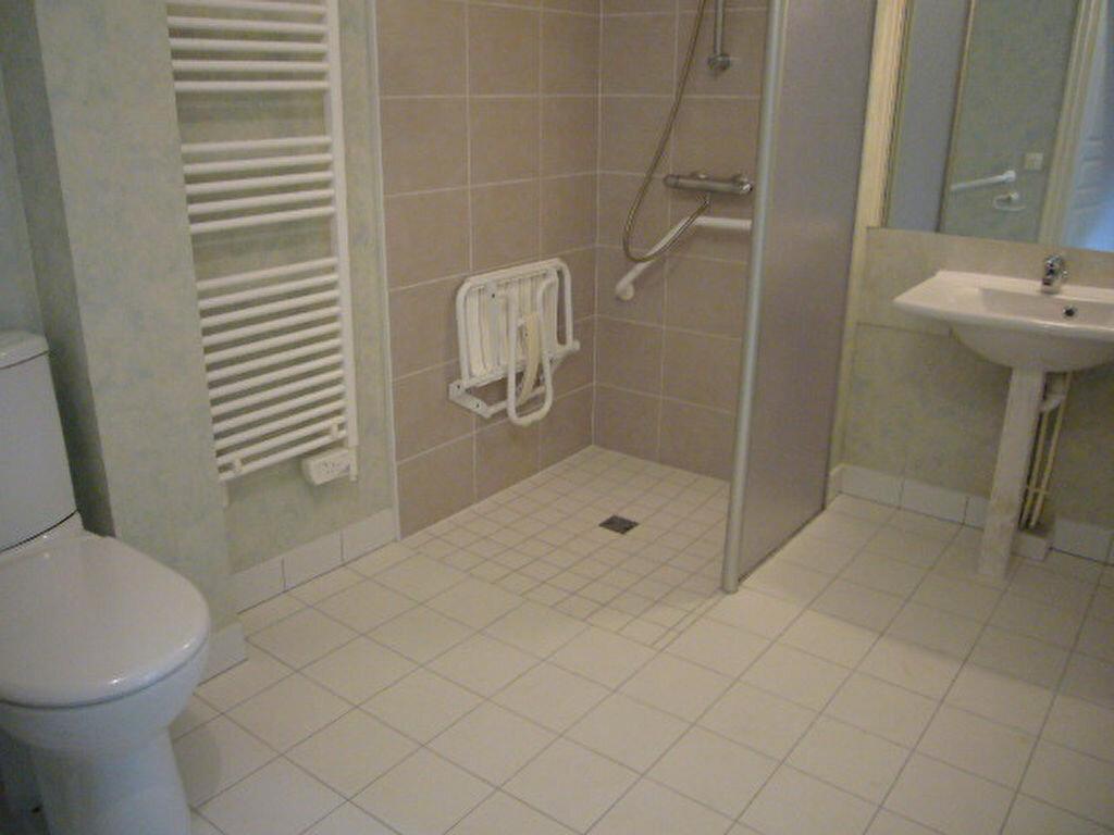 Appartement à vendre 3 52.35m2 à Guérande vignette-4