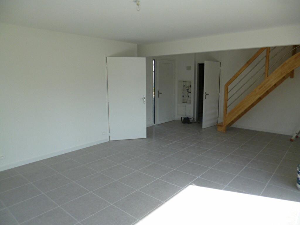 Maison à louer 4 76.41m2 à Guérande vignette-3