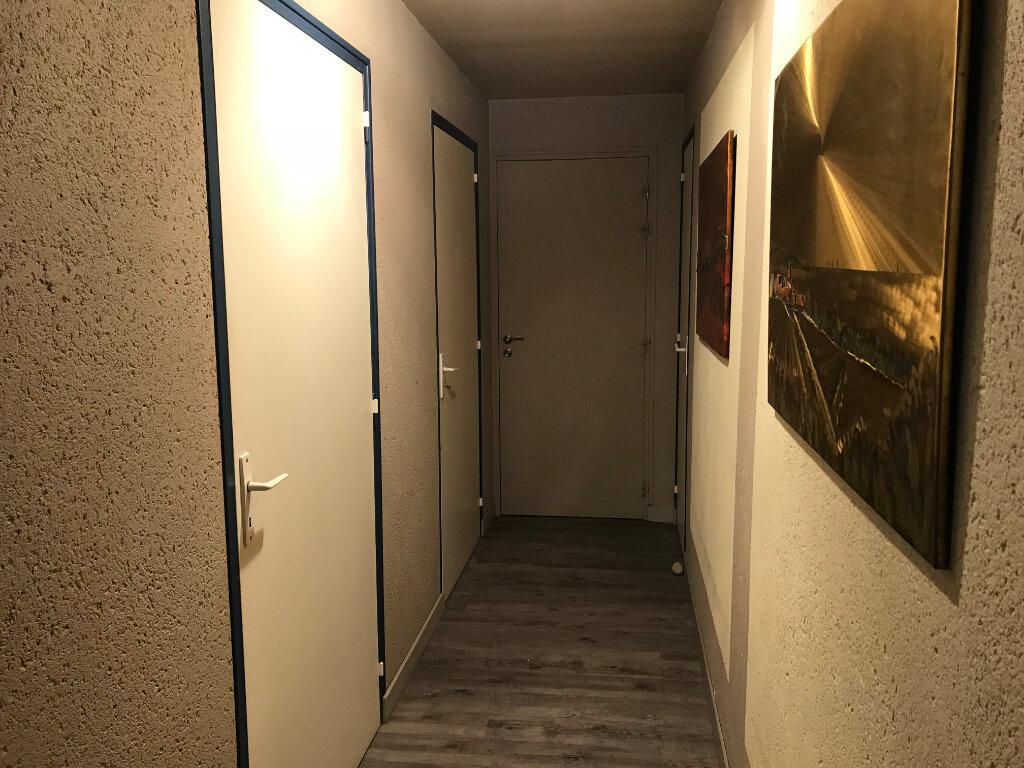 Appartement à vendre 4 160m2 à Guérande vignette-11