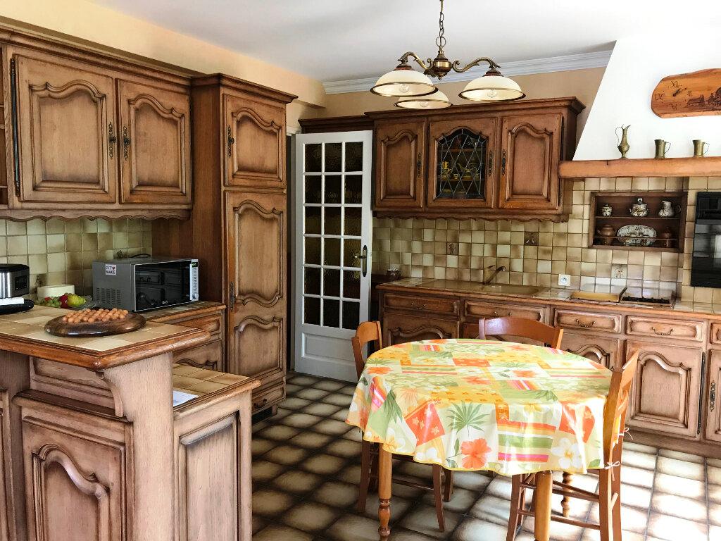 Maison à vendre 4 121.87m2 à Guérande vignette-5