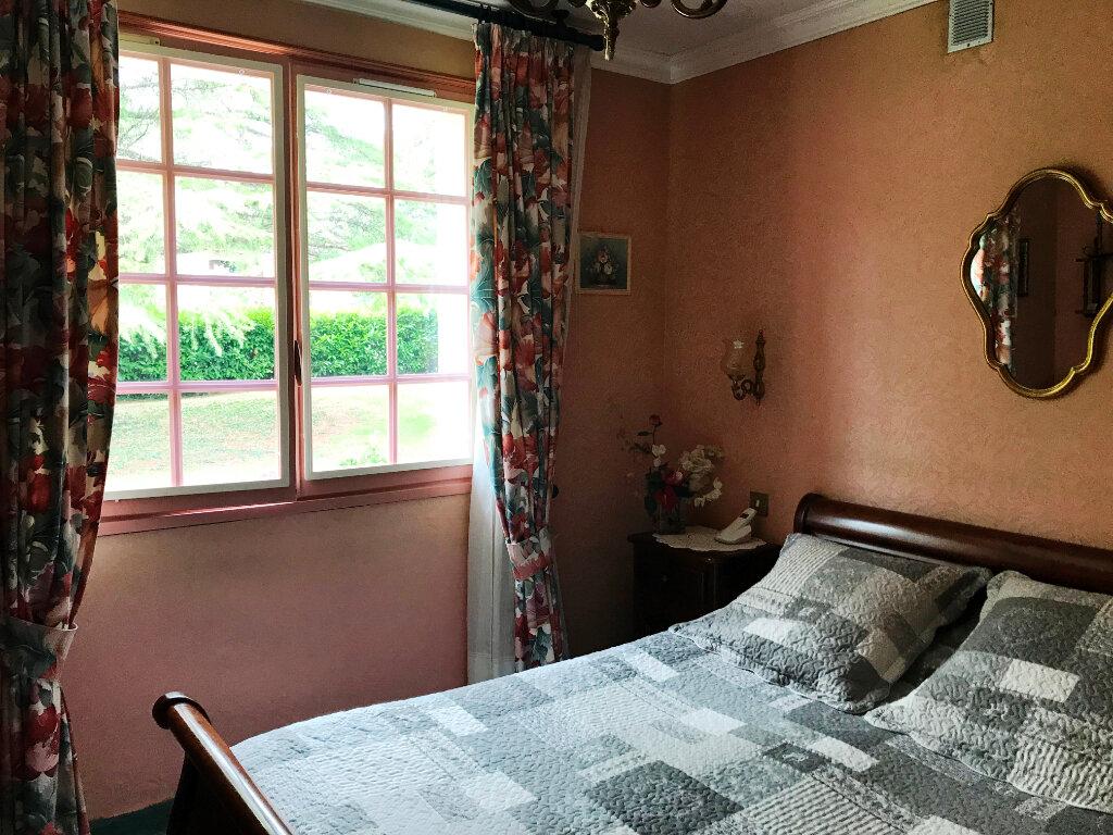 Maison à vendre 4 121.87m2 à Guérande vignette-8