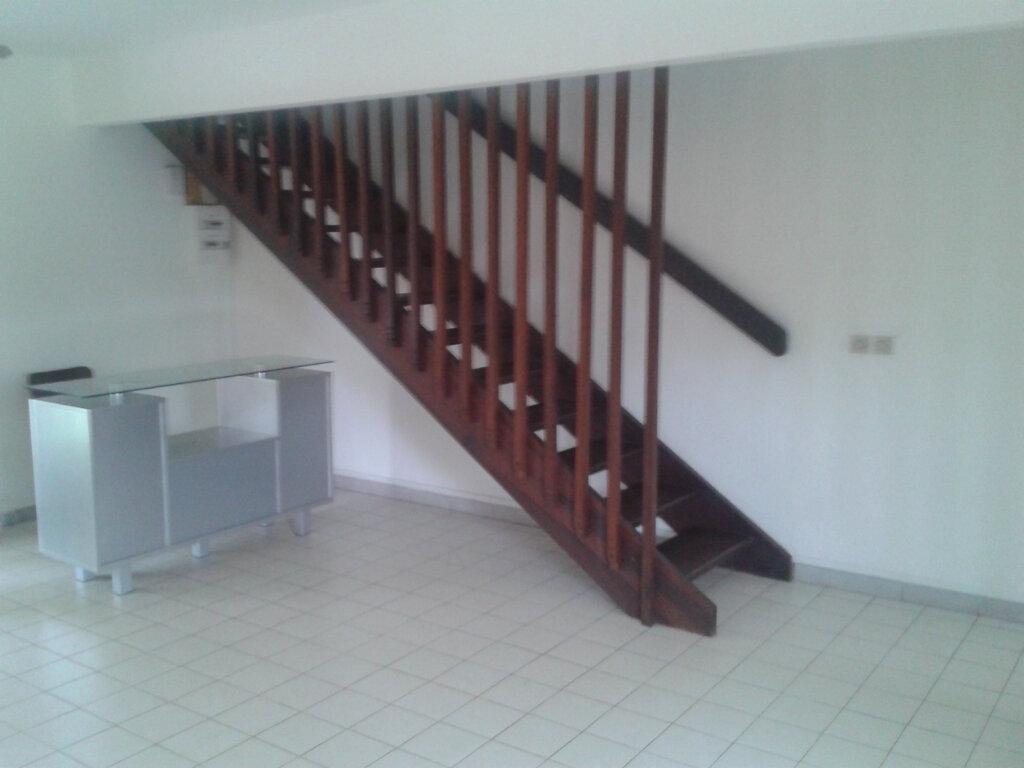 Maison à louer 4 74.04m2 à Anse-Bertrand vignette-3