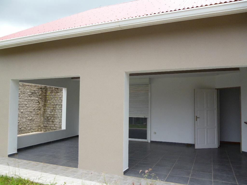 Maison à louer 4 99m2 à Les Trois-Îlets vignette-1
