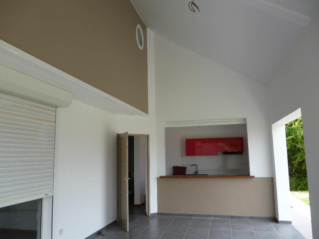 Maison à louer 4 99m2 à Les Trois-Îlets vignette-3