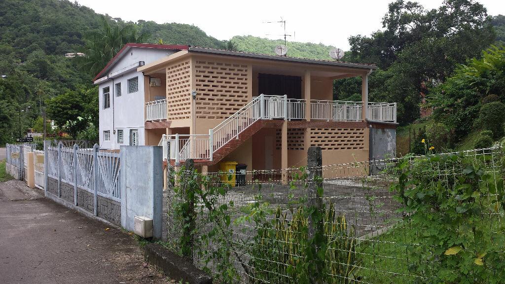 Maison à louer 4 99m2 à Rivière-Pilote vignette-1
