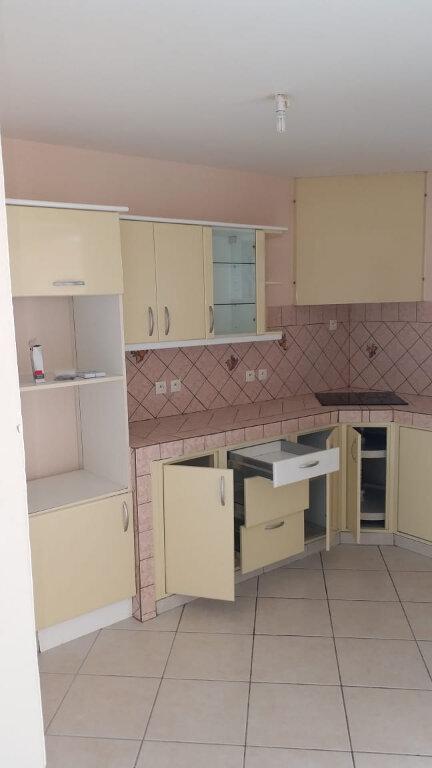 Appartement à louer 3 64m2 à Le Robert vignette-1