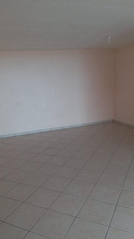 Appartement à louer 3 64m2 à Le Robert vignette-2