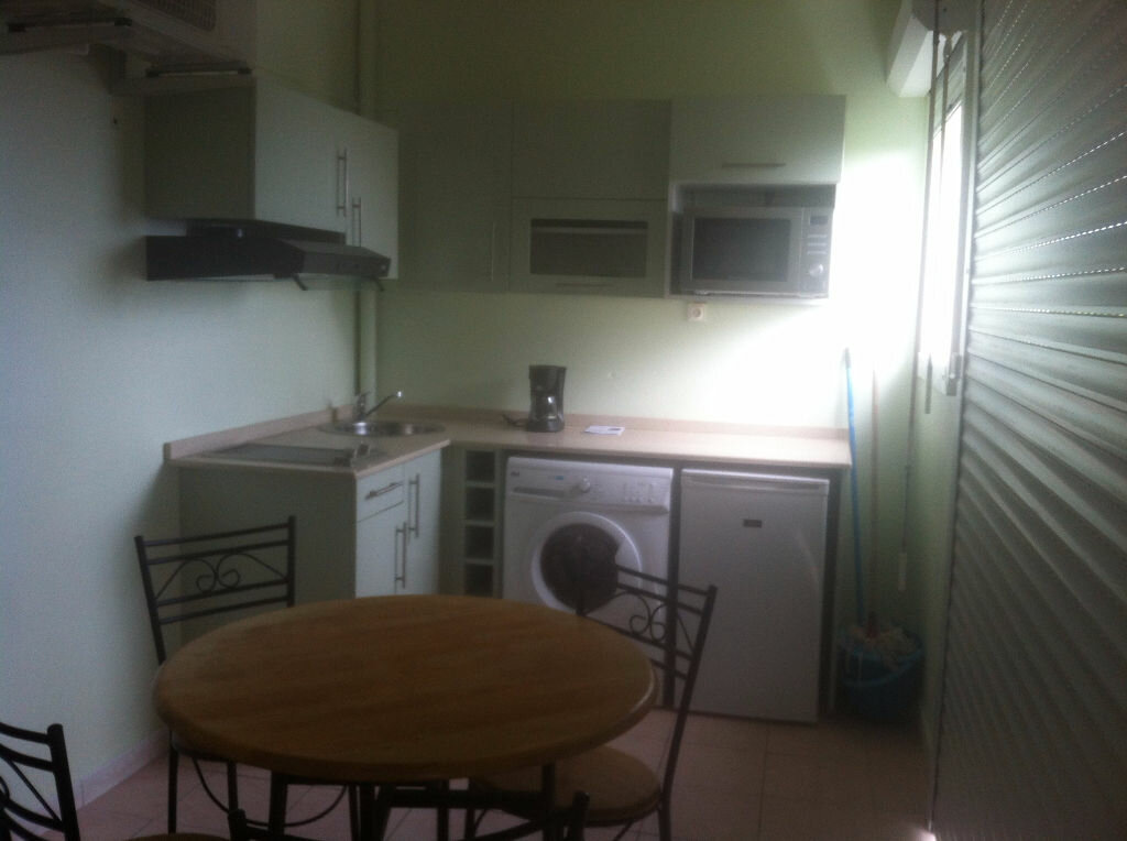 Appartement à louer 1 35m2 à Sainte-Luce vignette-3