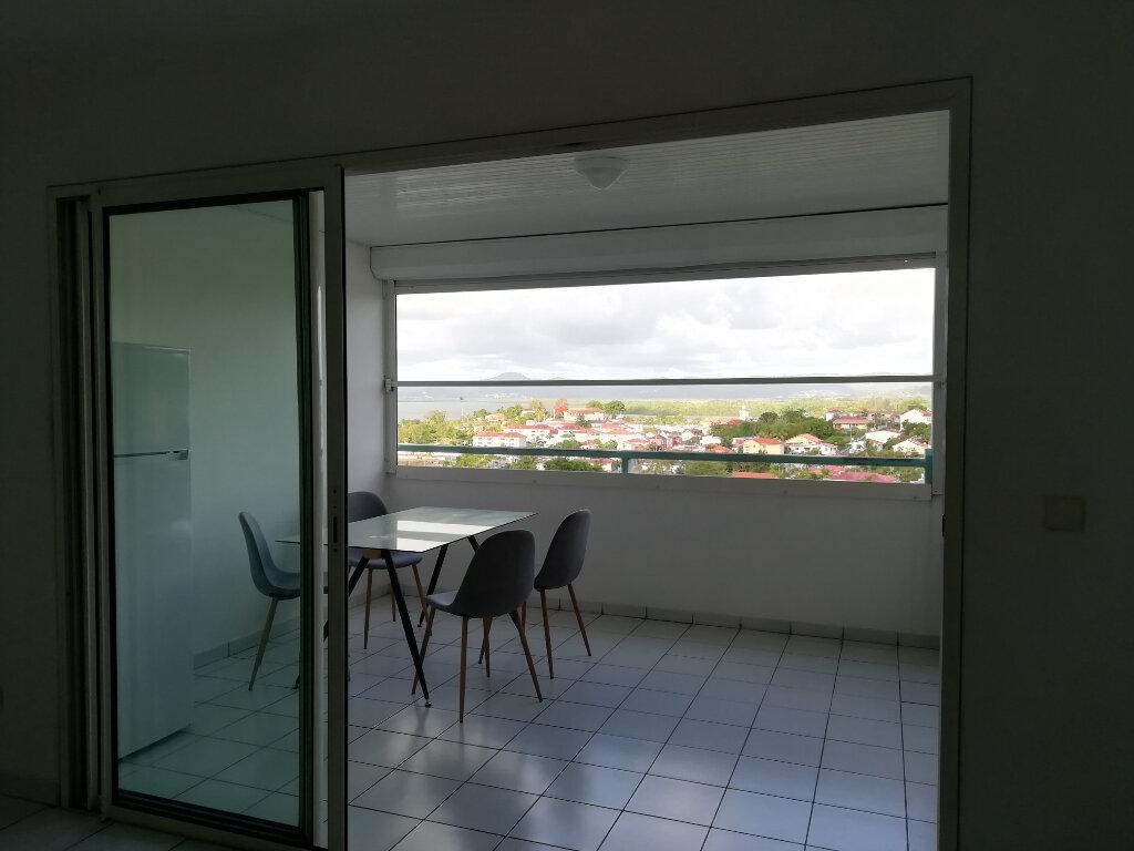 Appartement à louer 2 35m2 à Les Trois-Îlets vignette-2