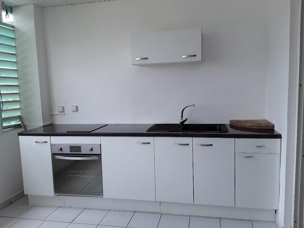 Appartement à louer 2 35m2 à Les Trois-Îlets vignette-3