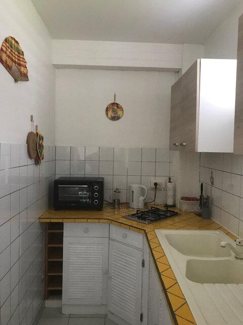Appartement à louer 1 29.6m2 à Les Anses-d'Arlet vignette-3