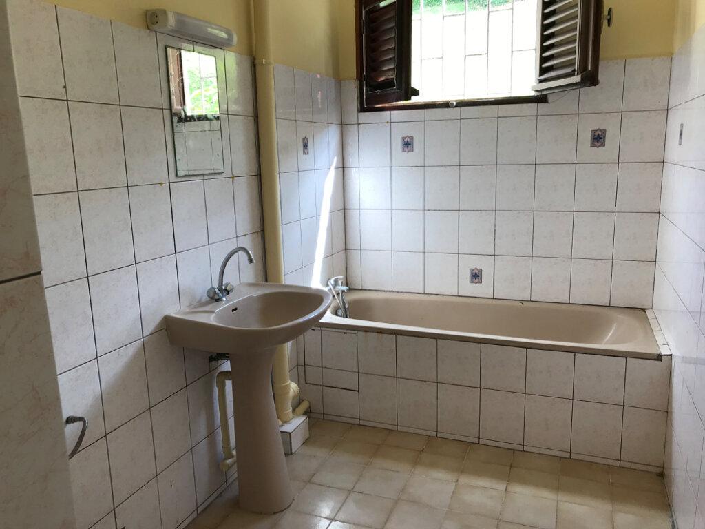 Appartement à vendre 4 81.76m2 à Fort-de-France vignette-3