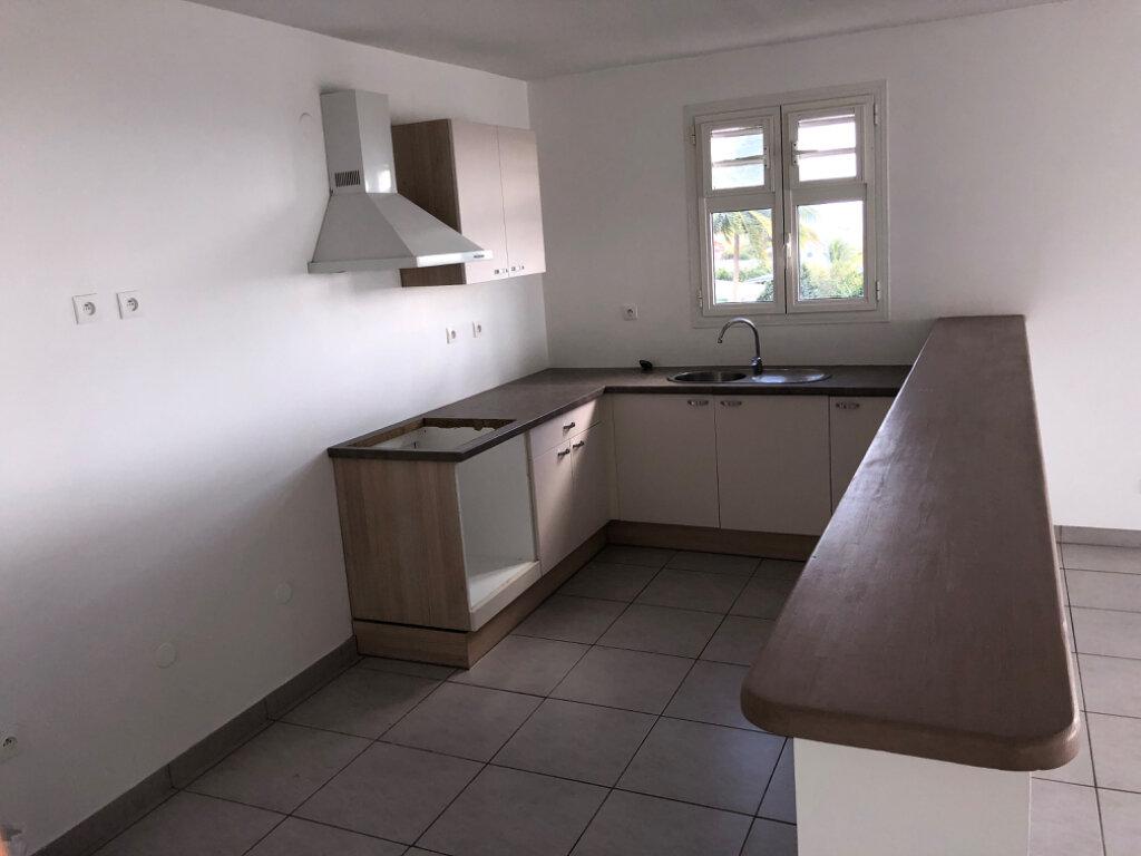 Appartement à vendre 3 75.9m2 à Fort-de-France vignette-3
