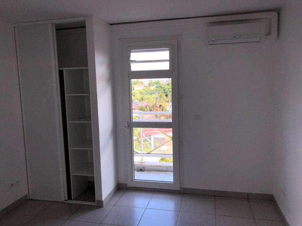 Appartement à vendre 3 75.9m2 à Fort-de-France vignette-5