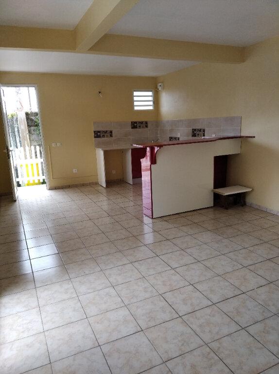 Appartement à louer 2 57m2 à Rivière-Pilote vignette-1