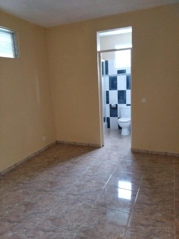 Appartement à louer 2 57m2 à Rivière-Pilote vignette-2