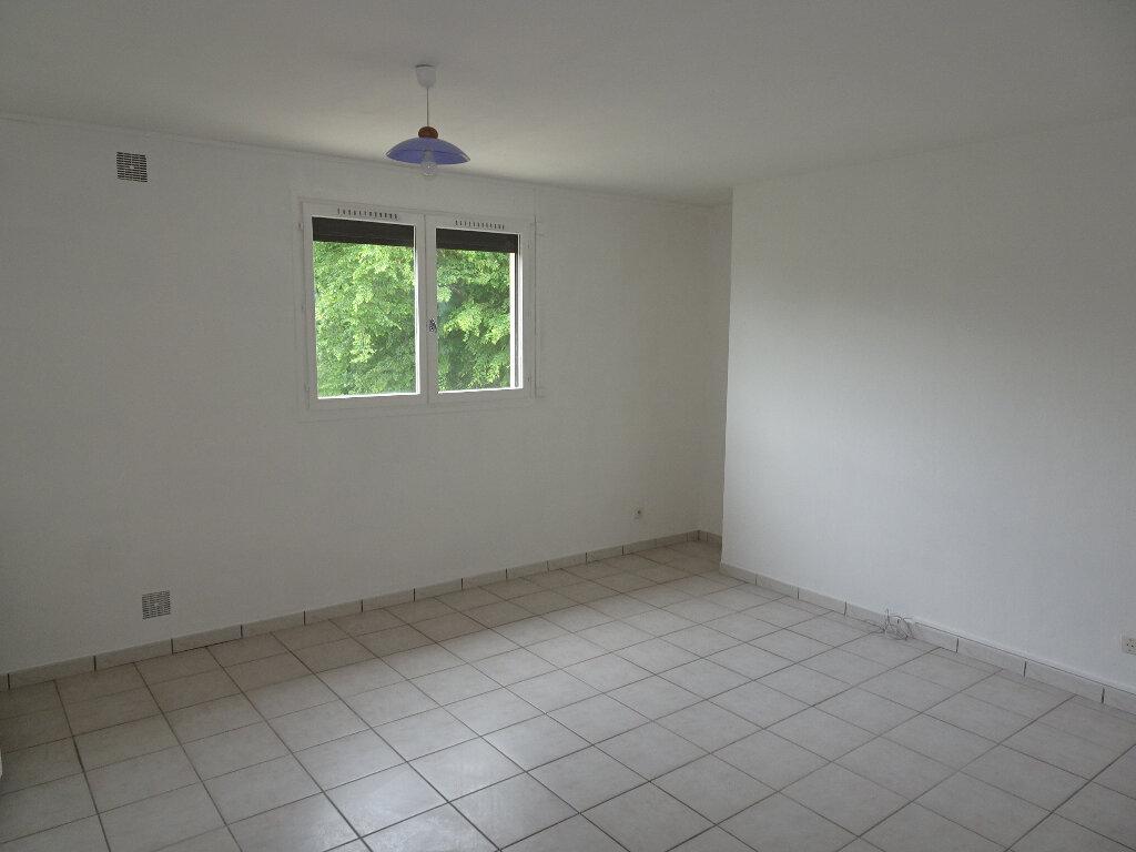 Appartement à louer 2 36.3m2 à Claye-Souilly vignette-4