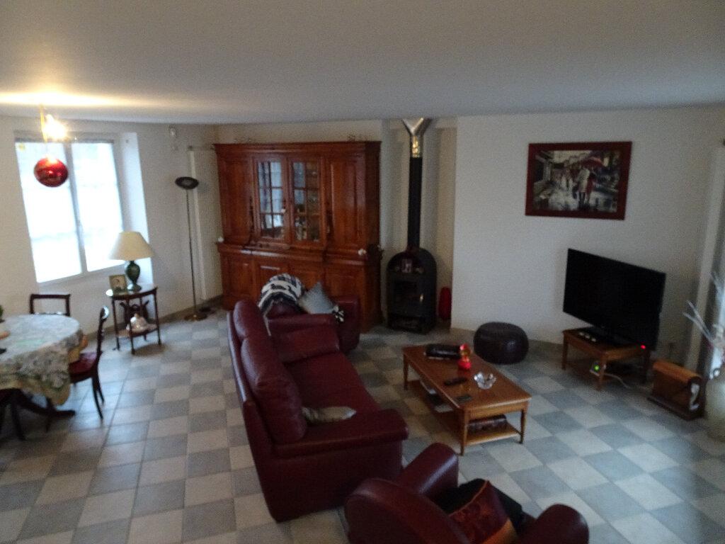 Maison à louer 9 184.13m2 à Claye-Souilly vignette-2