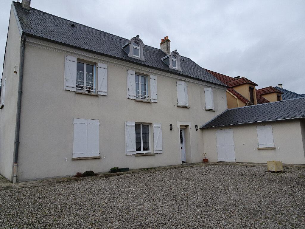Maison à louer 9 184.13m2 à Claye-Souilly vignette-7
