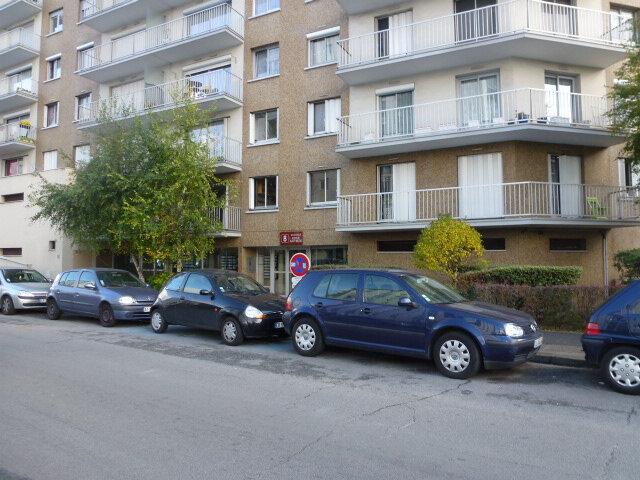 Appartement à louer 2 42m2 à Chelles vignette-2