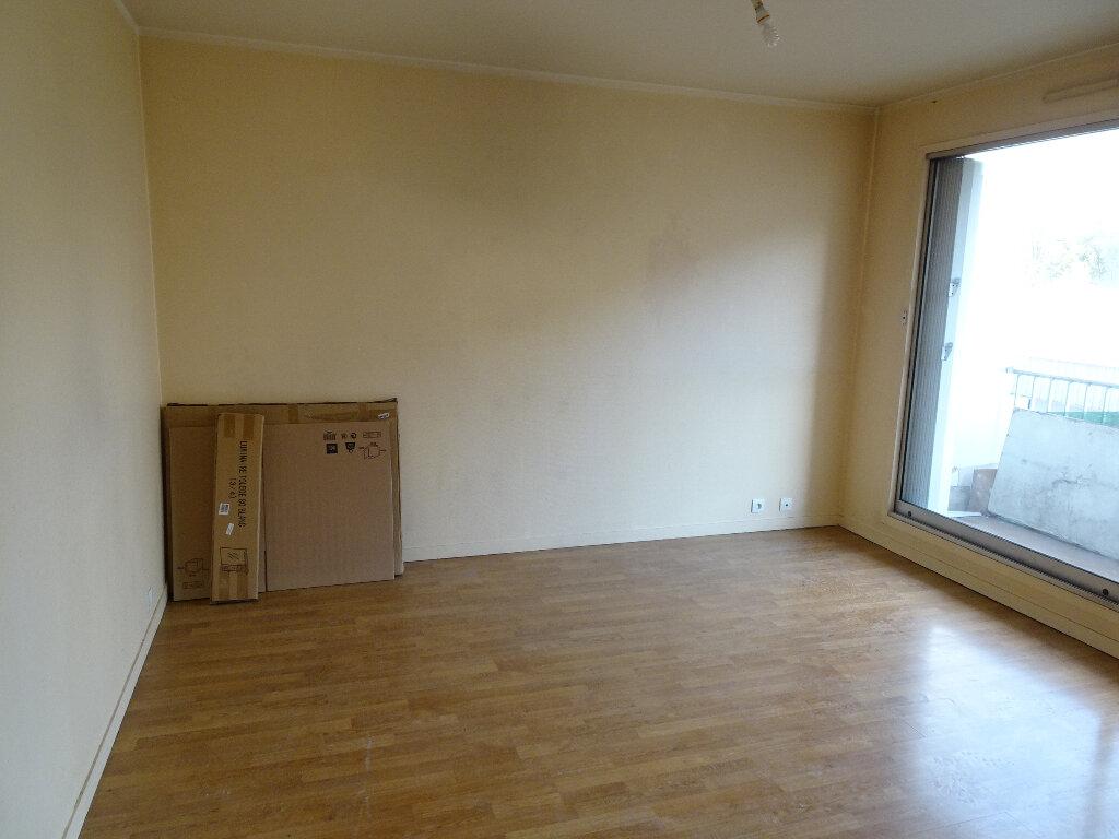 Appartement à louer 2 42m2 à Chelles vignette-3