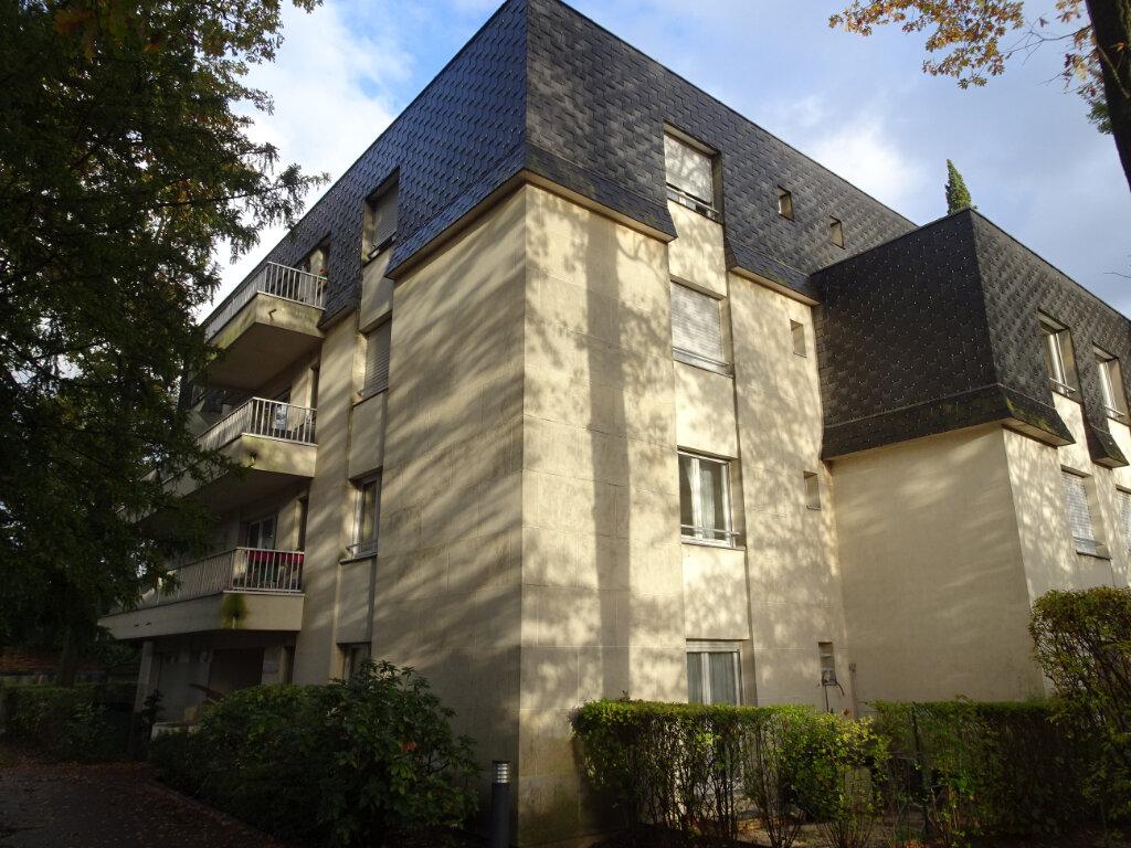Appartement à louer 1 31.75m2 à Livry-Gargan vignette-2
