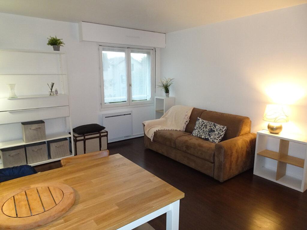 Appartement à louer 1 31.75m2 à Livry-Gargan vignette-4